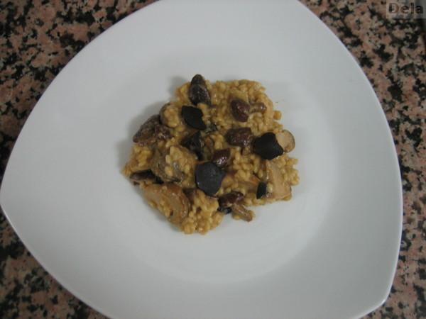 Arroz (risoto) con setas y trufa con reducción de setas