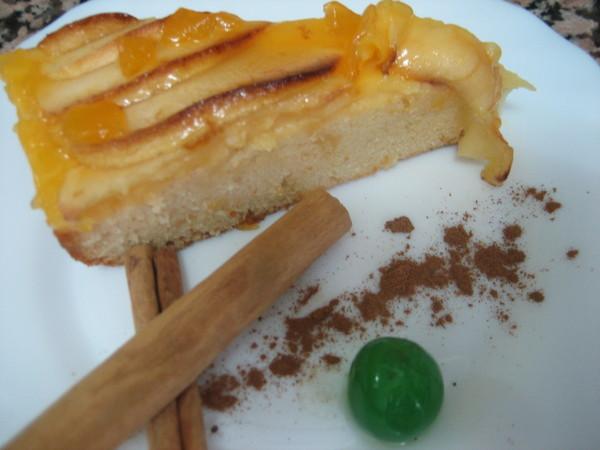 tarta de manzana con bizcocho
