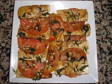 Carpaccio de tomates y tofu