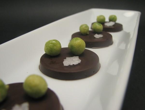 Chocolate, guisantes, wasabi